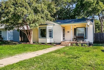 4412 Calmont Avenue Fort Worth TX 76107