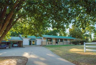17203 County Road 4105 Lindale TX 75771