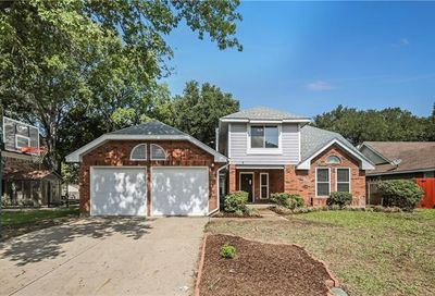 2211 Mcdowell Drive Euless TX 76039
