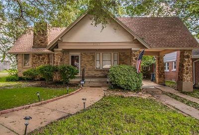 1707 Thomas Place Fort Worth TX 76107