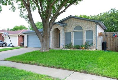 5905 York River Drive Arlington TX 76018