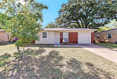 925 Jerry Lane Bedford TX 76022