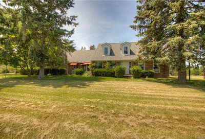 2838 Pleasant Valley Road Brighton Twp MI 48114
