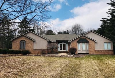 4275 Timberview Dr Howell MI 48843