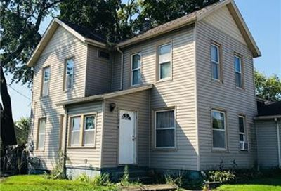 604 S Grand Avenue Fowlerville Vlg MI 48836