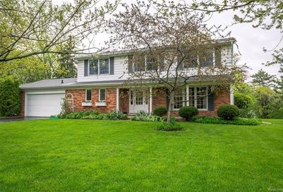 2731 Colby Drive Bloomfield Twp MI 48304