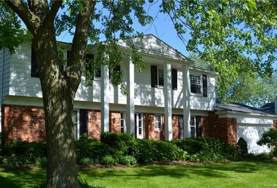 7257 Cathedral Drive Bloomfield Twp MI 48301