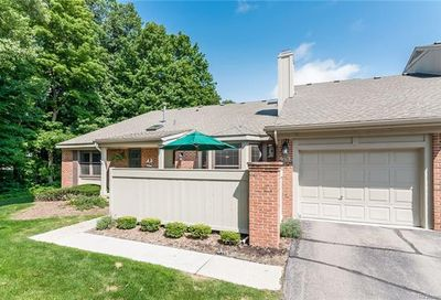 7256 Green Farm Road West Bloomfield Twp MI 48322