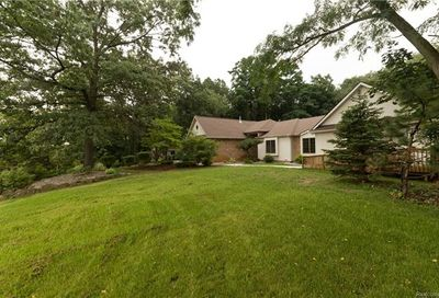 6794 West Ridge Drive Hamburg Twp MI 48116