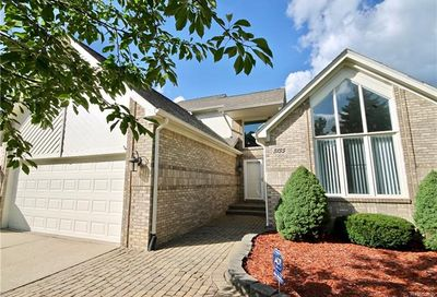 3135 Point Of The Woods Drive West Bloomfield Twp MI 48324