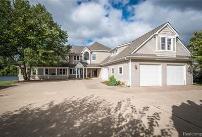 9038 Hunter Bay Drive Brighton Twp MI 48114