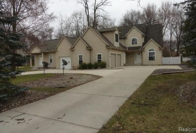 6611 Hunt Road West Bloomfield Twp MI 48324