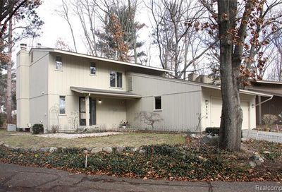 6744 Red Cedar Lane West Bloomfield Twp MI 48324