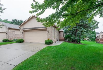 35228 White Pine Trail Farmington Hills MI 48335