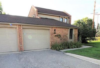 2908 Moon Lake West Bloomfield Twp MI 48323