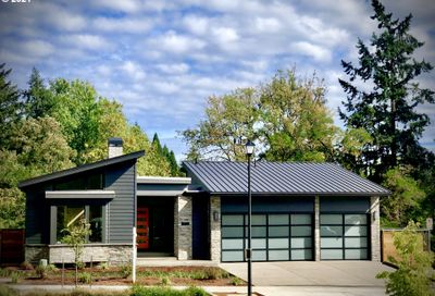 4550 SW 59TH AVE Portland OR 97221