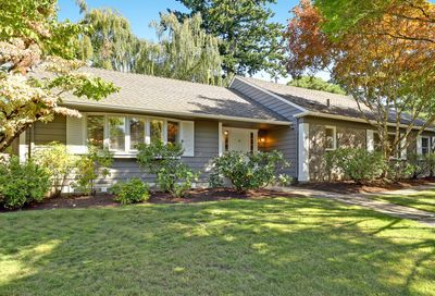 2355 SW SCENIC DR Portland OR 97225
