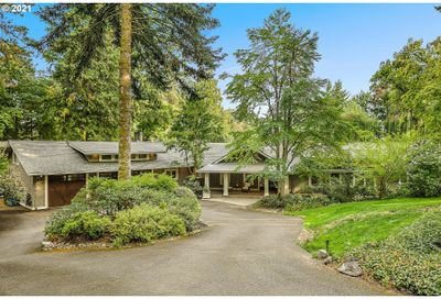 1920 S MILITARY RD Portland OR 97219