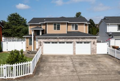58 SALMON ST St. Helens OR 97051
