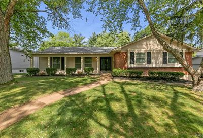 2289 Hill House Chesterfield MO 63017