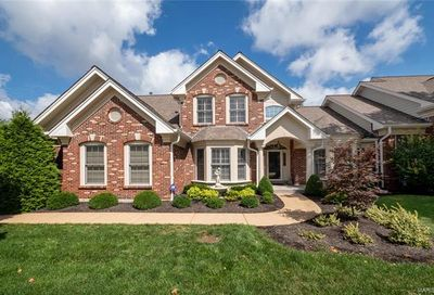 15923 Picardy Crest Chesterfield MO 63017