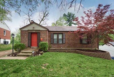 214 Moundale St Louis MO 63135