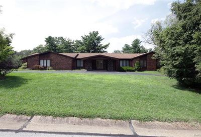 3005 Thornbury Drive Town And Country MO 63131