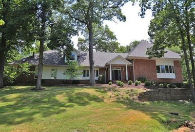 2480 Town And Country Lane Town And Country MO 63131