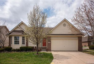13924 Perry Riverview MI 48193