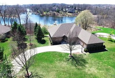 8294 Islandview Court Brighton Twp MI 48114
