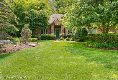 6425 W Oaks Drive West Bloomfield Twp MI 48324