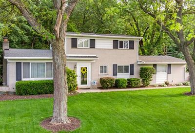 1162 Peveril Road Bloomfield Twp MI 48304