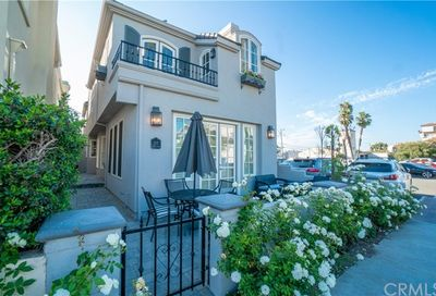 127 8th Seal Beach CA 90740
