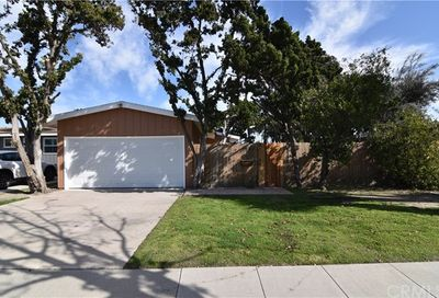 1990 Knoxville Avenue Long Beach CA 90815