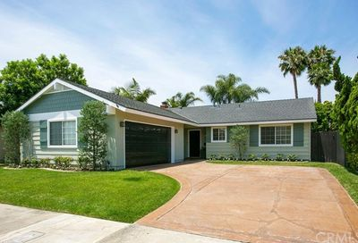 17841 Carranza Lane Huntington Beach CA 92647