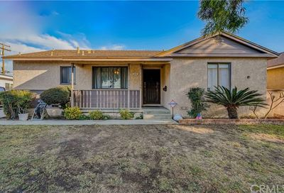 5218 Knoxville Avenue Lakewood CA 90713