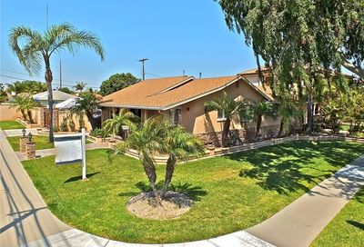 4721 Howard Avenue Los Alamitos CA 90720