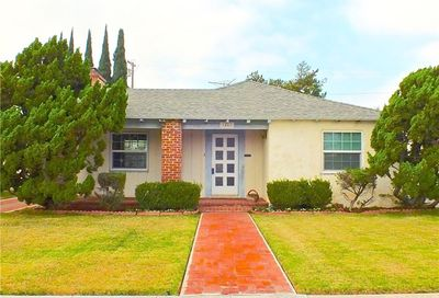 3467 Falcon Avenue Long Beach CA 90807