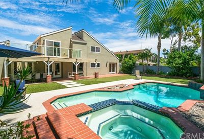 2207 Windward Lane Newport Beach CA 92660