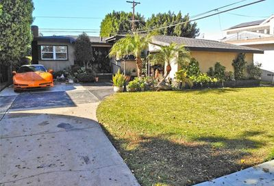 2857 Iroquois Avenue Long Beach CA 90815