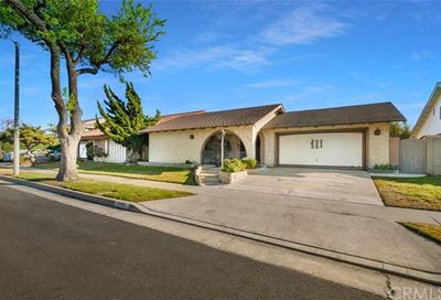 7092 Starlight Circle Huntington Beach CA 92647