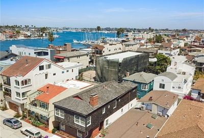 38 58th Place Long Beach CA 90803