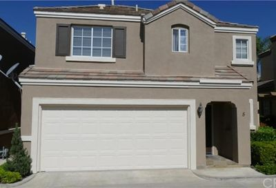 5 Rue Monet Lake Forest CA 92610