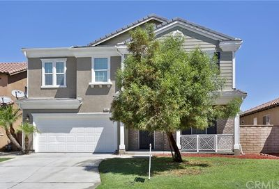 25922 Via Elegante Moreno Valley CA 92551