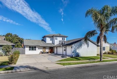 6141 Kelley Circle Huntington Beach CA 92647