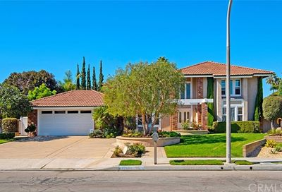 9762 James River Circle Fountain Valley CA 92708