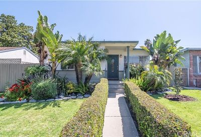 1424 Roycroft Avenue Long Beach CA 90804