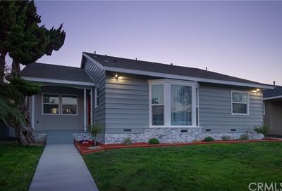2531 Ladoga Avenue Long Beach CA 90815