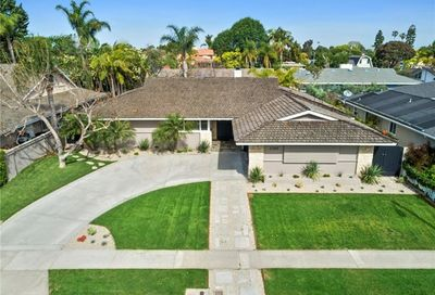 1707 Tradewinds Lane Newport Beach CA 92660