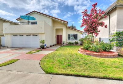 4448 Hazelnut Avenue Seal Beach CA 90740